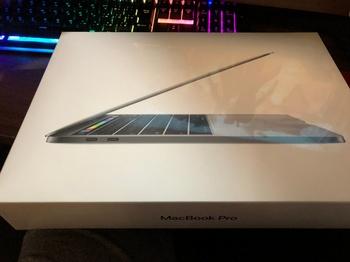 MacBookPro2017スペースグレー1